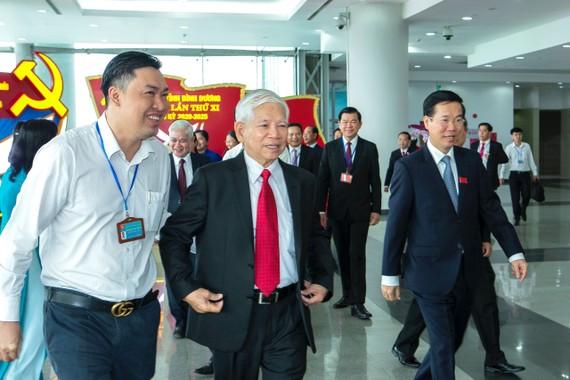 Nguyên Chủ tịch nước Nguyễn Minh Triết và Ủy viên Bộ Chính trị, Bí thư Trung ương Đảng, Trưởng Ban Tuyên giáo Trung ương tới tham dự đại hội