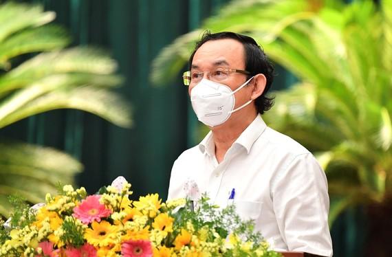 Bí thư Thành ủy TPHCM Nguyễn Văn Nên phát biểu khai mạc Hội nghị BCH Đảng bộ TPHCM khóa XI lần thứ 9 mở rộng, sáng 14-10-2021. Ảnh: VIỆT DŨNG
