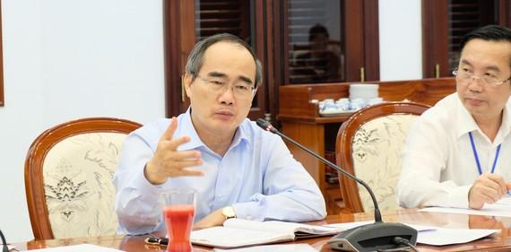 Đồng chí Nguyễn Thiện Nhân phát biểu tại buổi làm việc. Ảnh: KIỀU PHONG