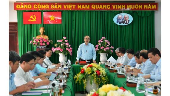 Bí thư Thành ủy TPHCM Nguyễn Thiện Nhân phát biểu trong buổi làm việc với quận Thủ Đức về tình hình xây dựng không phép trên địa bàn. Ảnh: VIỆT DŨNG
