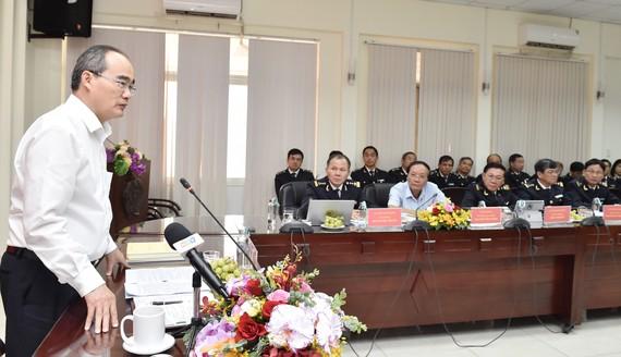 Bí thư Thành ủy TPHCM Nguyễn Thiện Nhân phát biểu tại buổi làm việc với Cục Hải quan TPHCM, ngày 14-11-2019. Ảnh: VIỆT DŨNG