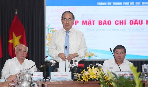 Bí thư Thành ủy TPHCM Nguyễn Thiện Nhân chia sẻ thông tin về nhân sự khóa tới tại buổi gặp mặt báo chí đầu năm 2020, ngày 9-1-2020. Ảnh: DŨNG PHƯƠNG