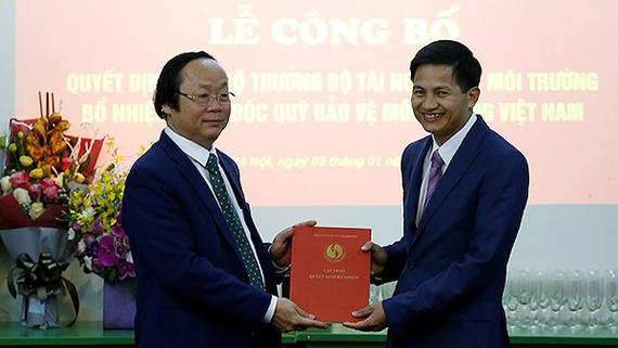 Thứ trưởng Võ Tuấn Nhân trao Quyết định bổ nhiệm cho ông Nguyễn Đức Thuận