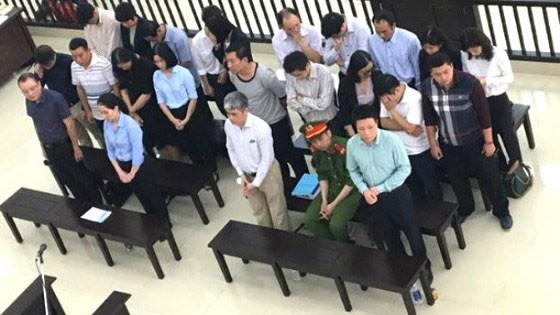"""Hà Văn Thắm và các đồng phạm trong phiên tòa phúc thẩm """"đại án"""" tại OceanBank"""