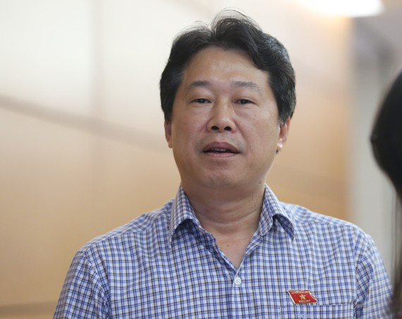ĐB  Đinh Văn Nhã, Phó Chủ nhiệm Ủy ban Tài chính Ngân sách của Quốc hội