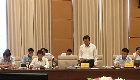 Phó Chánh án Toà án Nhân dân Tối cao Lê Hồng Quang tại phiên họp