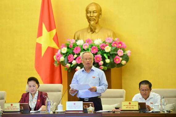 Phó Chủ tịch Quốc hội Uông Chu Lưu điều hành phiên họp UBTVQH chiều 11-9-2019. Ảnh: VIẾT CHUNG