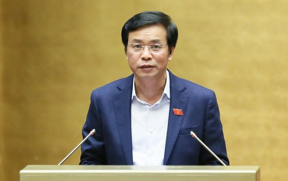 Tổng Thư ký Quốc hội Nguyễn Hạnh Phúc đề nghị tiếp thu ý kiến của đa số đại biểu Quốc hội, giảm số lượng Phó Chủ tịch HĐND cấp huyện xuống còn 1 người