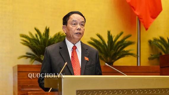 Chủ nhiệm Ủy ban Quốc phòng và An ninh Võ Trọng Việt trình bày báo cáo giải trình, tiếp thu, chỉnh lý dự thảo Luật  