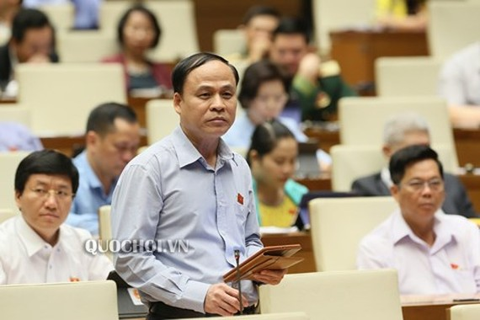 ĐB Nguyễn Bắc Việt (Ninh Thuận) phát biểu tại phiên họp