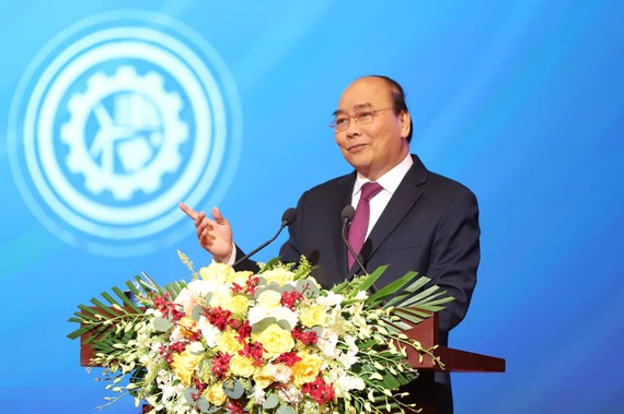"""Thủ tướng Nguyễn Xuân Phúc phát biểu tại hội nghị """"Thủ tướng Chính phủ với doanh nghiệp: Phát triển mạnh mẽ doanh nghiệp – hội nhập – hiệu quả - bền vững"""""""