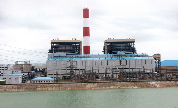 Các nhà máy điện than thải ra khoảng 16, 17 triệu tấn tro và xỉ mỗi năm