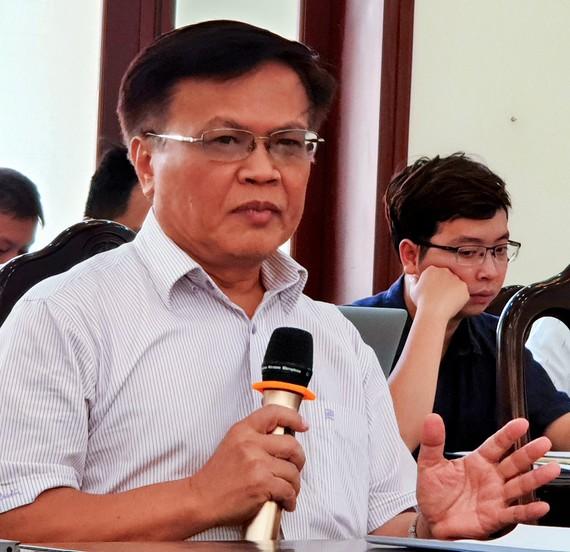"""TS Nguyễn Đình Cung nhận định: """"Miễn và giảm nghĩa vụ thuế, phí quá ít, hầu như chưa có, chưa kịp thời và nhất là một số điều kiện hỗ trợ không hợp lý, không thực tế"""""""