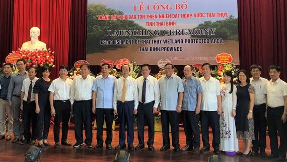 Các đại biểu tham dự buổi lễ