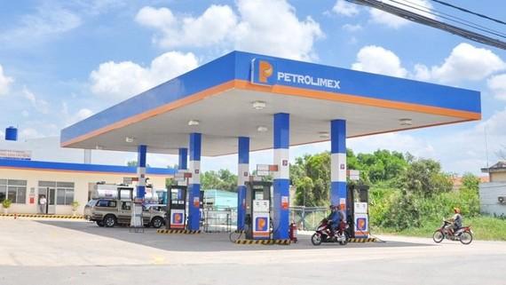 Nhóm giao thông tăng mạnh nhất do ảnh hưởng của đợt điều chỉnh tăng giá xăng, dầu vào thời điểm 27-6-2020