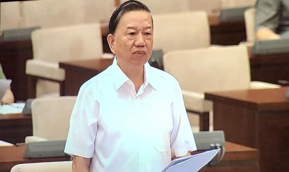 Bộ trưởng Bộ Công an Tô Lâm phát biểu tại phiên họp về dự án Luật Cư trú (sửa đổi)