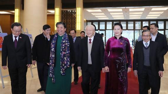 Tổng Bí thư, Chủ tịch nước Nguyễn Phú Trọng gặp mặt các lãnh đạo, nguyên lãnh đạo Quốc hội qua các thời kỳ. Ảnh: QUANG PHÚC