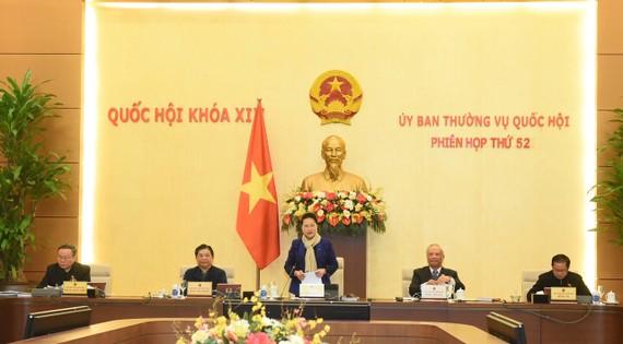 Chủ tịch Quốc hội Nguyễn Thị Kim Ngân phát biểu khai mạc phiên họp. Ảnh: VIẾT CHUNG