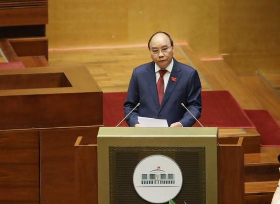 Chủ tịch nước Nguyễn Xuân Phúc phát biểu ngay sau khi tuyên thệ nhậm chức. Ảnh: QUANG PHÚC
