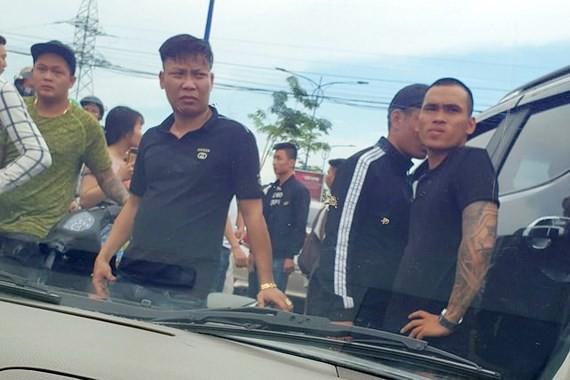 Hình ảnh giang hồ vây chặn xe công an ở Đồng Nai vào ngày 12-6-2019 gây xôn xao dư luận