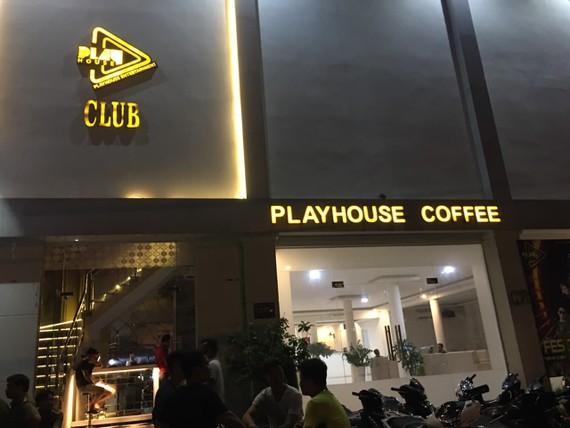 Đột kích quán bar Playhouse phát hiện nhiều ma tuý rượu.
