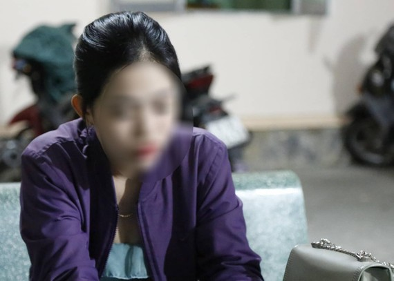 Nguyễn Thị Kim Nguyên tại cơ quan công an