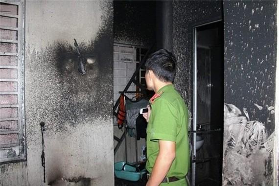 Công an khám nghiệm 1 vụ cháy trước đó. Ảnh minh họa