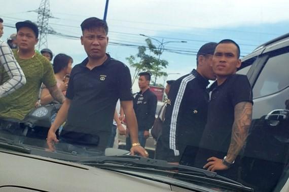 Nhóm giang hồ chặn vây xe công an ở tỉnh Đồng Nai