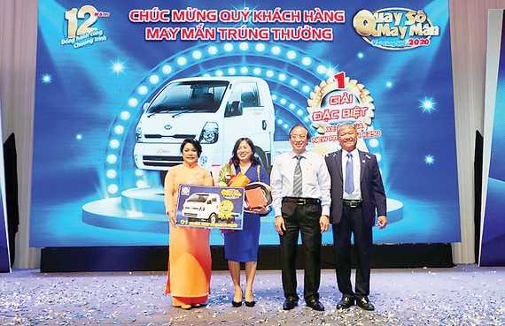 """Công ty Cổ phần BVTV Sài Gòn trao 222 giải thưởng - hơn 2,6 tỷ đồng tại Gala """"Quay số may mắn - Vui cùng SPC"""""""