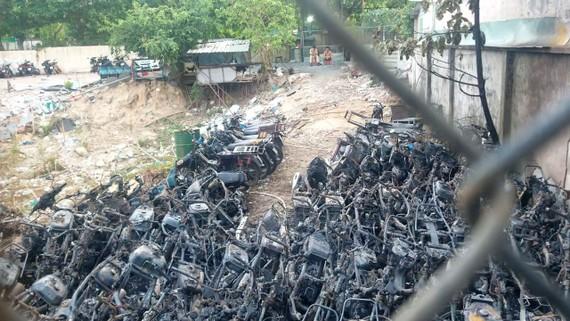 Hiện trường vụ cháy bãi xe của CSGT Thủ Đức