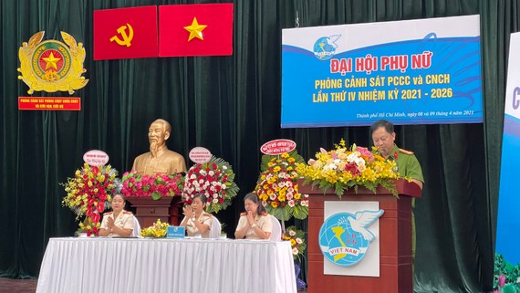 Đại tá Huỳnh Quang Tâm, Trưởng Phòng PC07, Công an TPHCM phát biểu tại đại hội