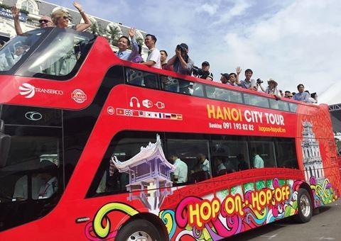 Xe buýt 2 tầng bắt đầu phục vụ du khách tại Hà Nội