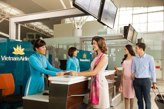 Làm thủ tục tại quầy riêng sẽ tiết kiệm nhiều thời gian cho hành khách