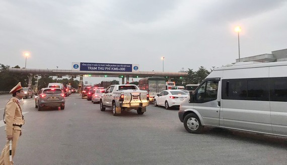 Cao tốc Nội Bài - Lào Cai phá kỷ lục phương tiện lưu thông trên tuyến