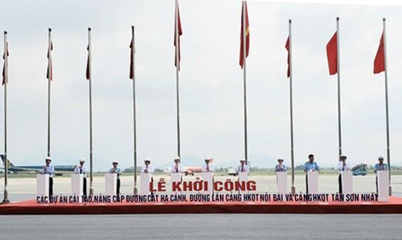 Phó Thủ tướng Thường trực Trương Hòa Bình phát lệnh khởi công 2 dự án sửa chữa, nâng cấp khu bay Nội Bài, Tân Sơn Nhất