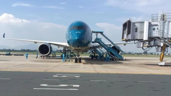 3 chuyến bay chở hơn 700 du khách bị mắc kẹt tại Đà Nẵng về Hà Nội và TPHCM
