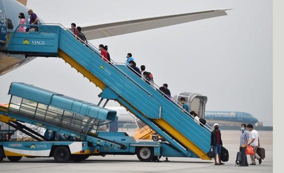 Hàng không mở bán gần 4 triệu vé Tết Tân Sửu 2021