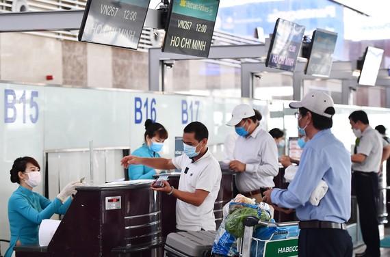 Kiến nghị ưu tiên tiêm vaccine Covid-19 cho nhân viên hàng không để hạn chế lây nhiễm cộng đồng
