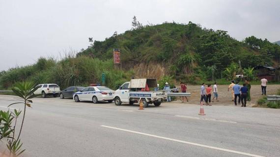 Tổng cục ĐBVN vừa tổ chức nối lại các đoạn tôn sóng trên cao tốc Nội Bài- Lào Cai