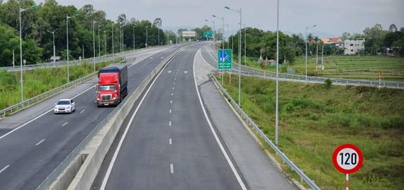 Cao tốc Đà Nẵng - Quảng Ngãi
