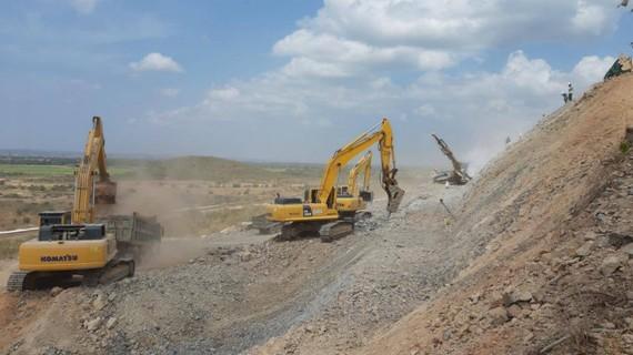 Đề nghị các địa phương hỗ trợ thi công dự án cao tốc Bắc Nam