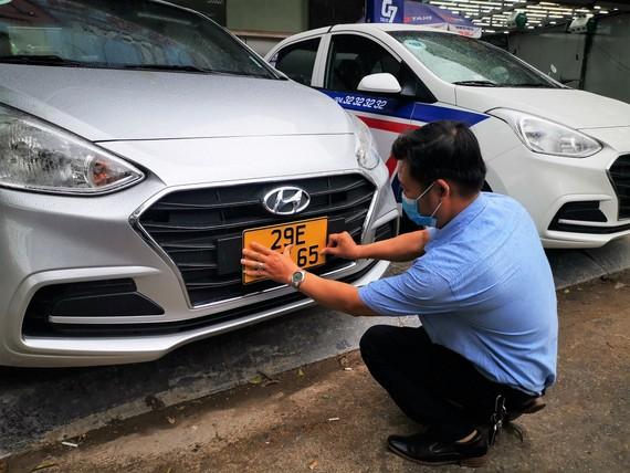 Đã đăng ký biển màu vàng cho gần 18.000 xe hoạt động kinh doanh