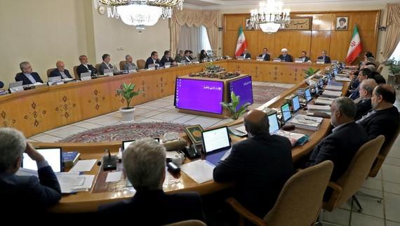 伊朗總統魯哈尼召開有關核協議的內閣會議,2019年5月8日。(圖源:AFP)