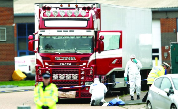英貨車現39具屍體案引起國際社會關注