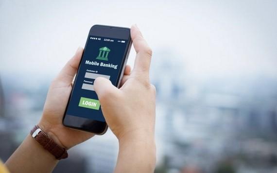 銀行賬戶持有人在手機上下載應用程式、 軟件時要謹慎。