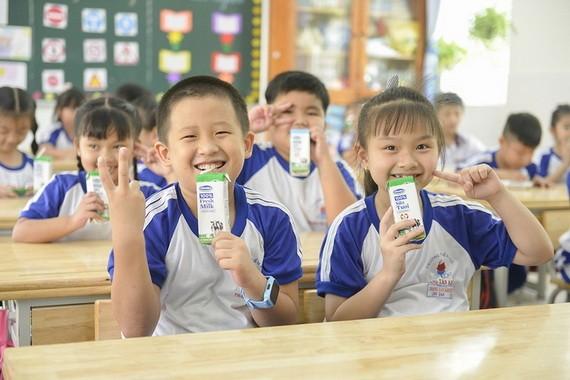 從本月起,本市校園奶品計劃獲在24個郡、縣展開。