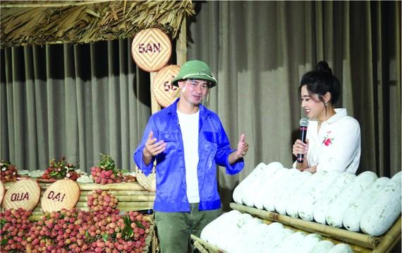 春北通過網上直播方式幫農民銷售農產品。