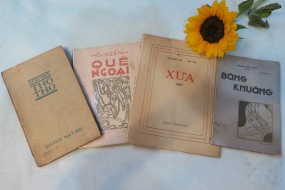 Tập thơ Quê ngoại của Hồ Dzếnh là một trong những ấn phẩm thượng hạng hiếm hoi còn sót lại