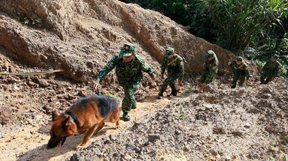 The border guards in Nam Giang Border Gate are on their duty to safeguard the border lines. (Photo: SGGP)