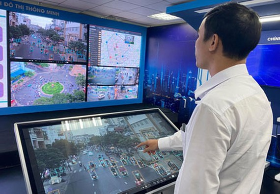 Thanks to the modern camera system, HCMC gradually manages the community based on digital platforms. (Photo: SGGP)